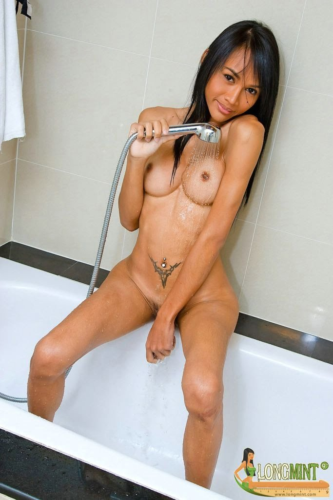 shower sex asian Shemale