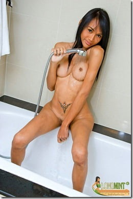long-mint-shower-03
